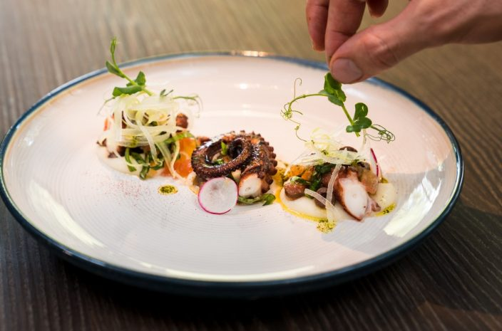 grilled-octopus-with-orange-potato-and-salmoriglio_the-cliff