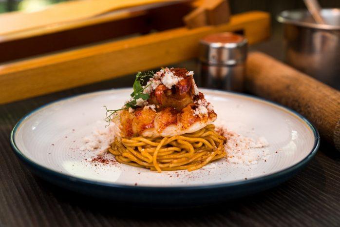 the-cliff-spaghetti-alla-chitarra-with-lobster